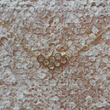 GOLD COLORED HONEYCOMB NECKLACE