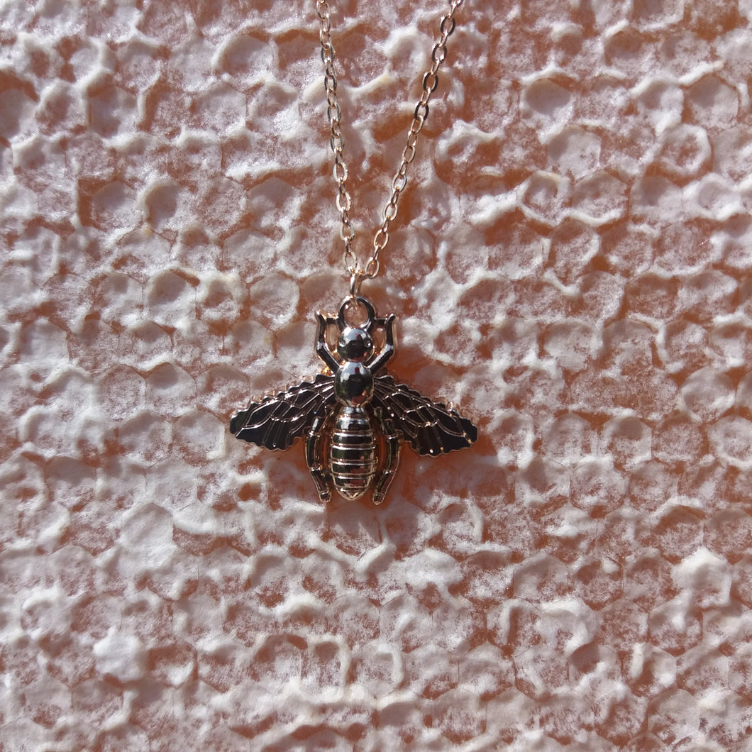GOLDEN HONEYBEE NECKLACE