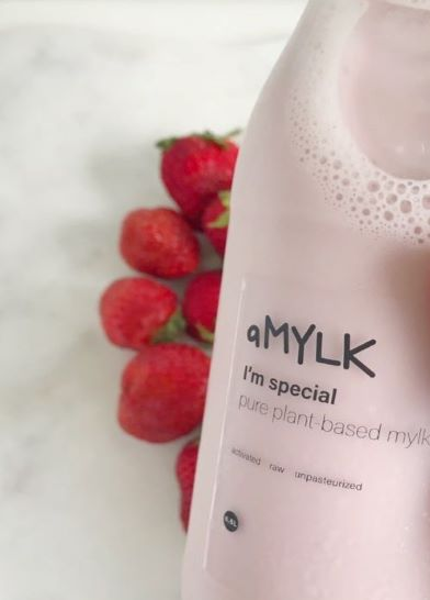 strawberry aMYLK
