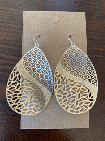 Wavy Metal Teardrop Earrings - Gold