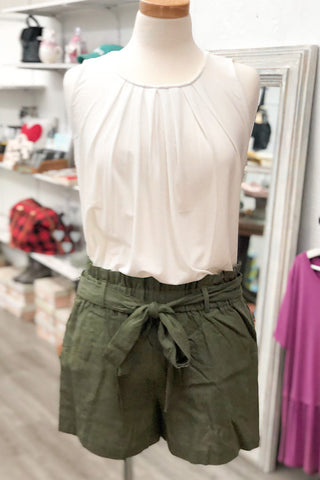 Betty - Linen Paperbag Shorts - Olive (S-L)