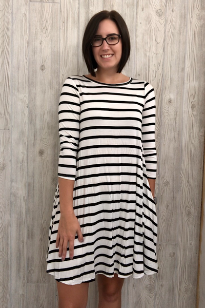 Chloe - Striped Shift Dress with Pockets - White/Black (S-XL)