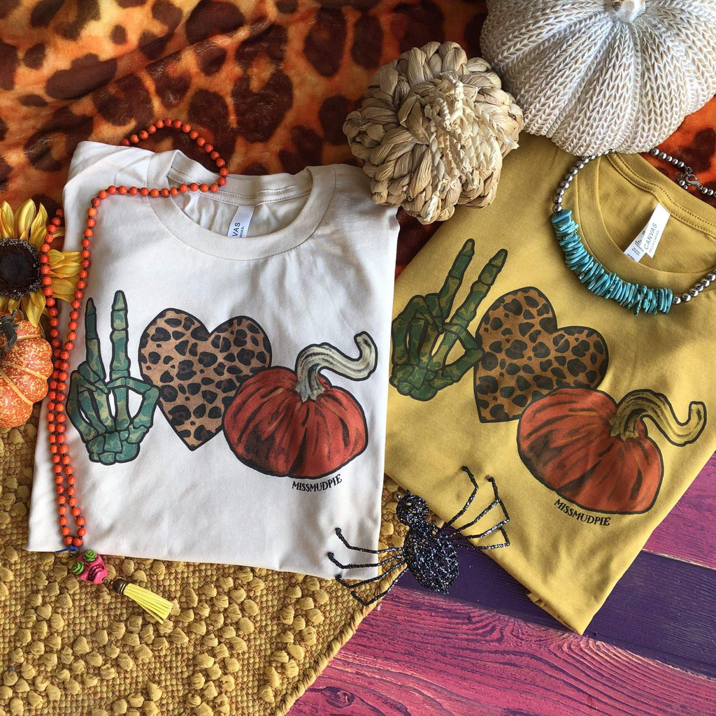 Peace Love Pumpkins Tee (S-3XL)