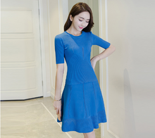 ARISTOCRATIC BLUE SHORT - SLEEVED KNITTED HOLLOW DRESS