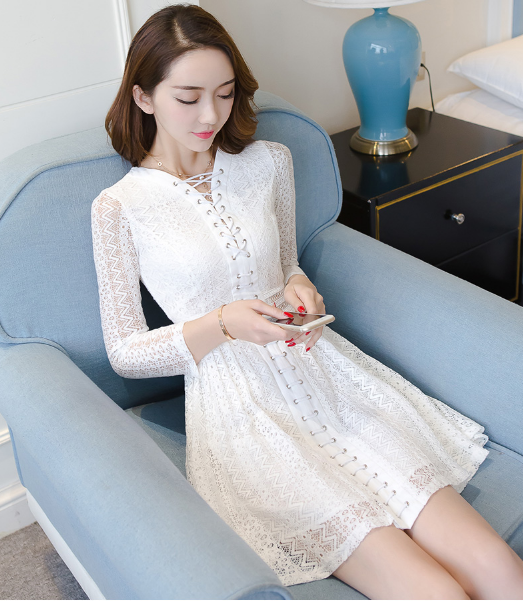 WOMEN V COLLAR HOLLOW LACE SLIM LACE DRESS