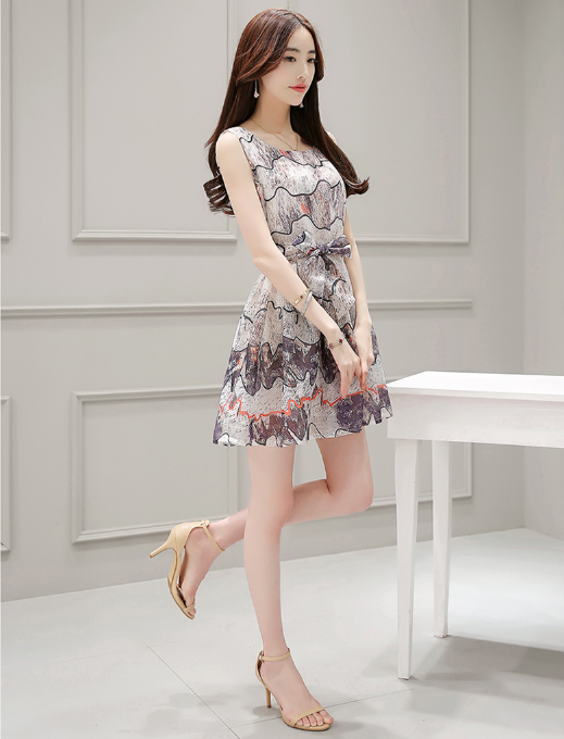 IN THE LONG SECTION OF SELF-CULTIVATION SLEEVELESS PRINTING VEST SKIRT