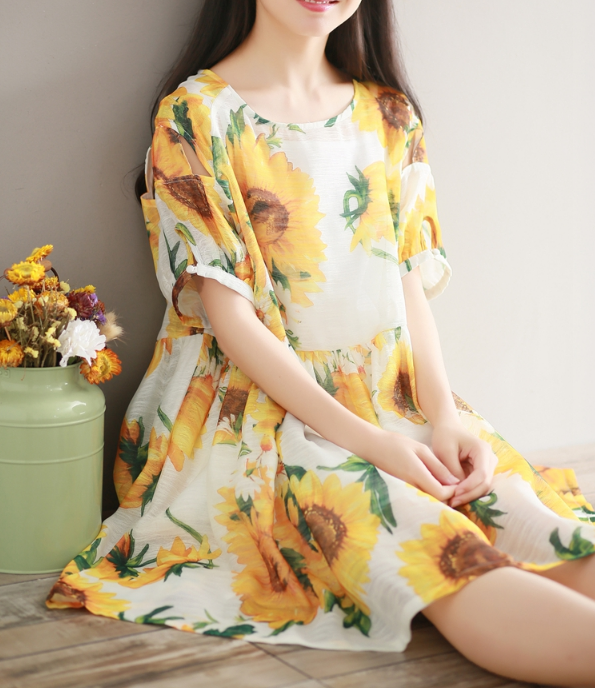 IMITATION SILK YELLOW SHORT-SLEEVED FLORAL A-COLOR DRESS