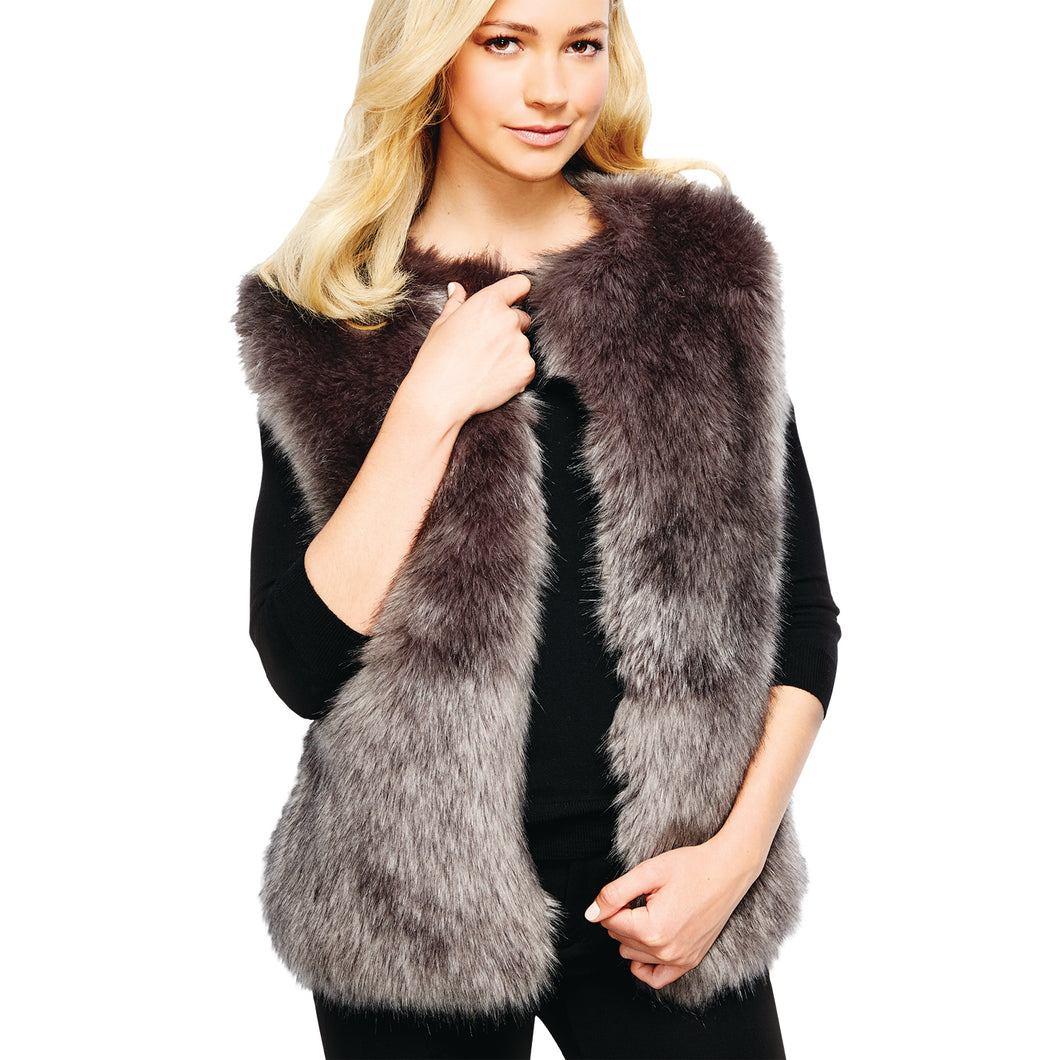 2 Chic Luxe Park City Women's Grey Faux Fur Fitted Vest