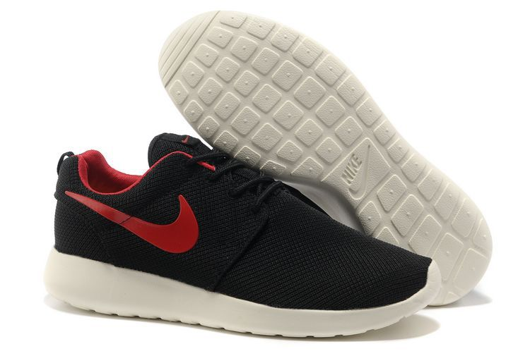 NIKE ROSHE RUN RED & BLACK