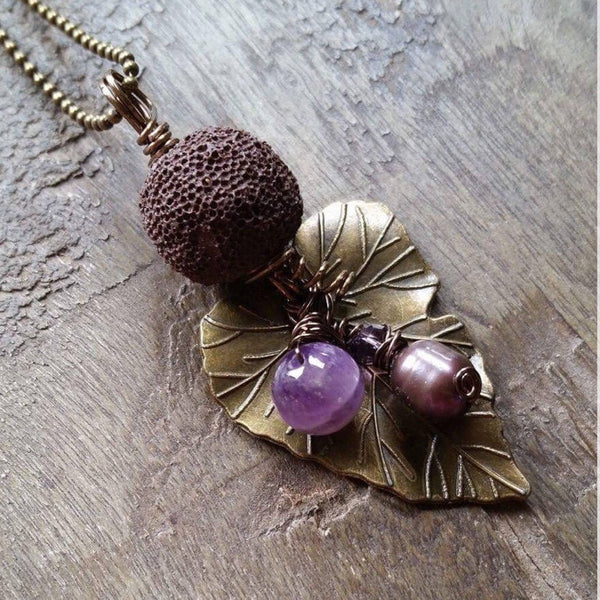 Essential oil diffuser necklace - Amethyst, cultured pearl -leaf
