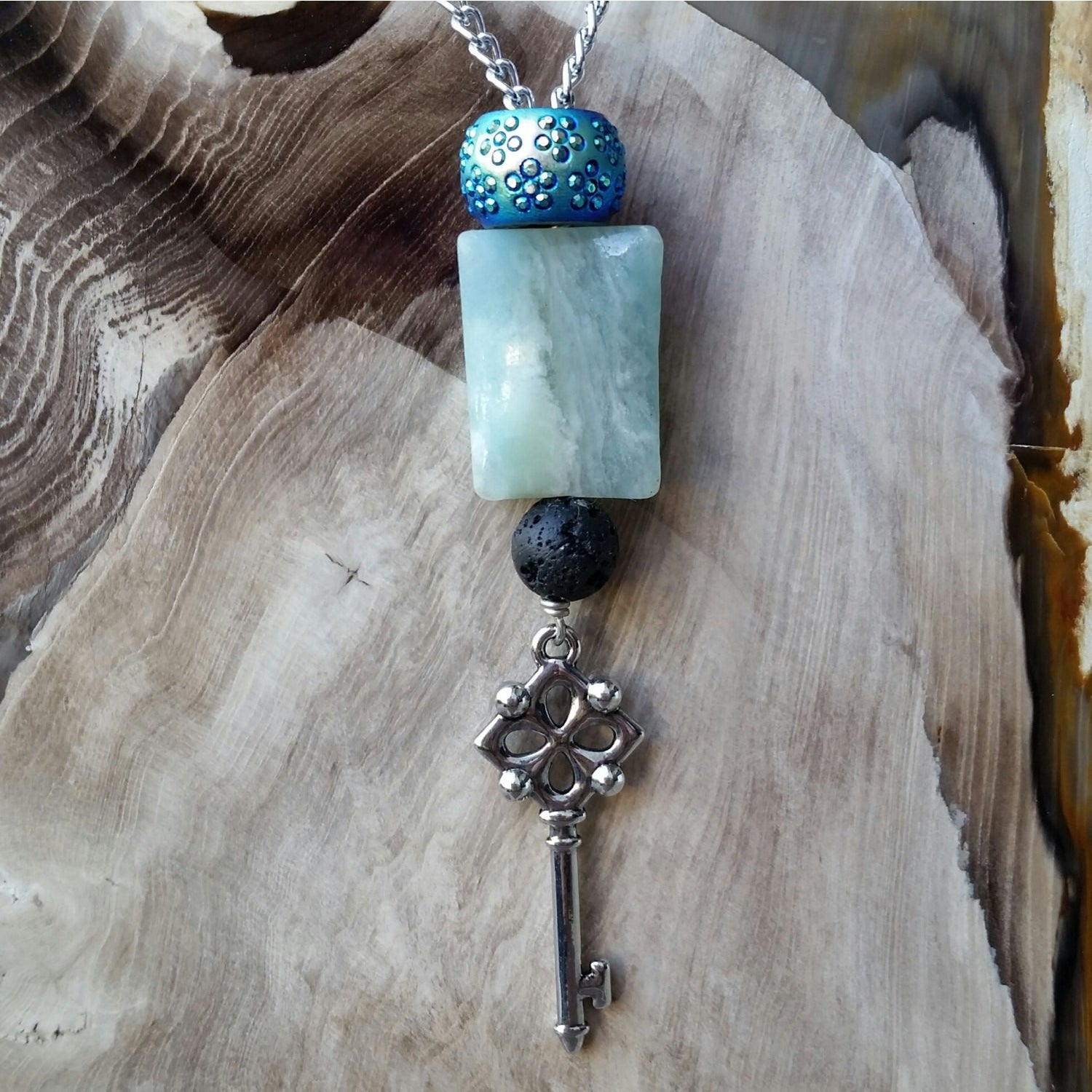 Essential oil diffuser necklace - flourite