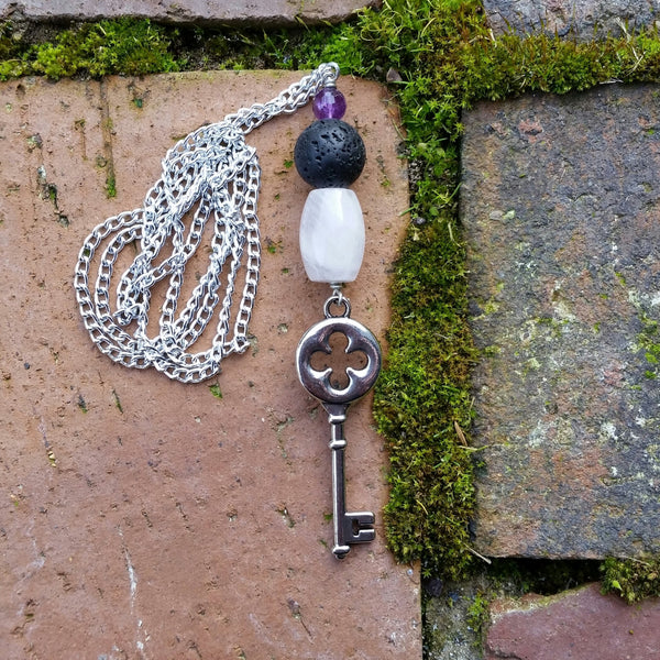Essential oil diffuser chain necklace - rose quartz