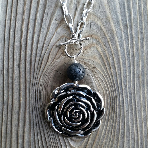 Essential oil diffuser necklace - rose