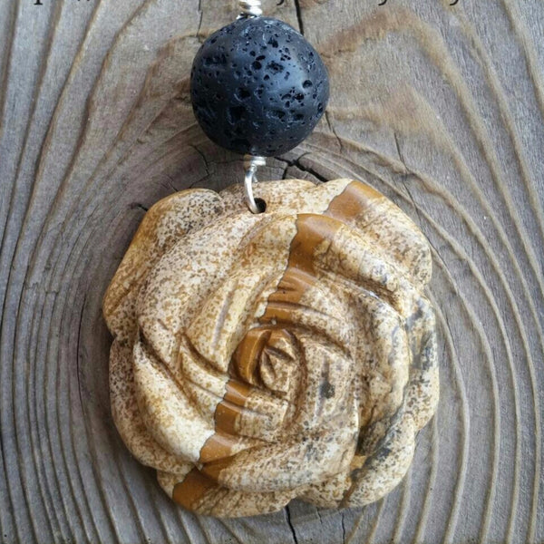 Essential oil diffuser necklace  - agate - flower