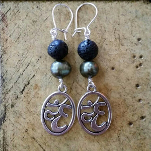 Essential oil diffuser earrings - green cultured pearl - Om - Sterling Silver