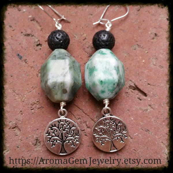 Essential oil diffuser earrings - green Ching Hai Jade - Tree of Life