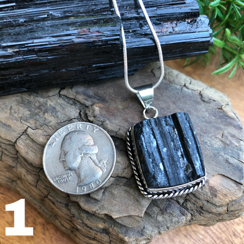 Black Tourmaline pendant necklace (Protection)