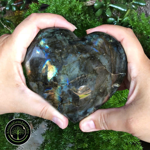 Huge Labradorite Heart (Protection, higher consciousness, transformation)