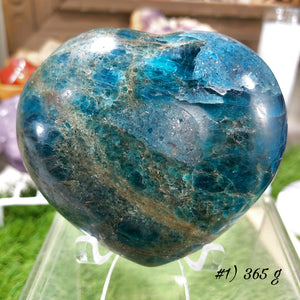 Large Apatite Hearts