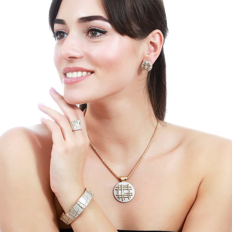 Necklace (Pendant) by Sincera