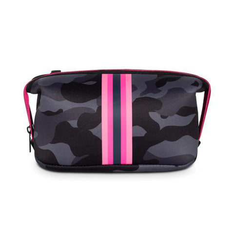 Haute Shore Erin Epic Cosmetic Case. This chic and durable Haute Shore Erin Epic Cosmetic Case holds all the makeup essentials! Perfect for everyday use, and can be thrown into any bag for on-the-go necessities.