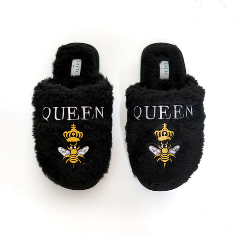 Queen B Bel Air Slippers. The most glamorous lounge slipper for all those Queens out there! We are loving these super comfy yet so stylish slippers which feature a fuzzy material, queen b graphic, and a super soft feel.