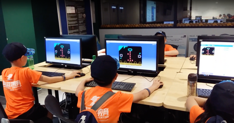 Tertiary Immersion Program Students micro bit programming computers