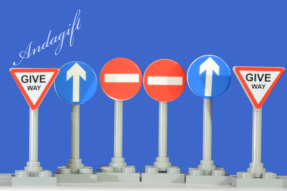 Lego city car road signs with no entry, one way, give way - andagift