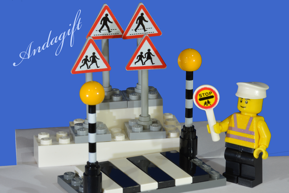 LEGO city car road signs zebra crossing with Belisha beacons and lollipop person - andagift