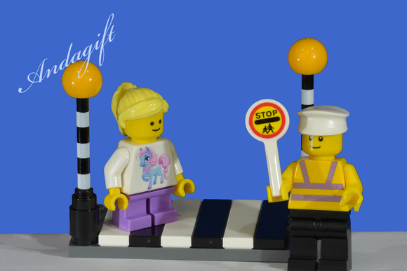 LEGO city car road signs zebra crossing Belisha beacons with lollipop person and girl - andagift