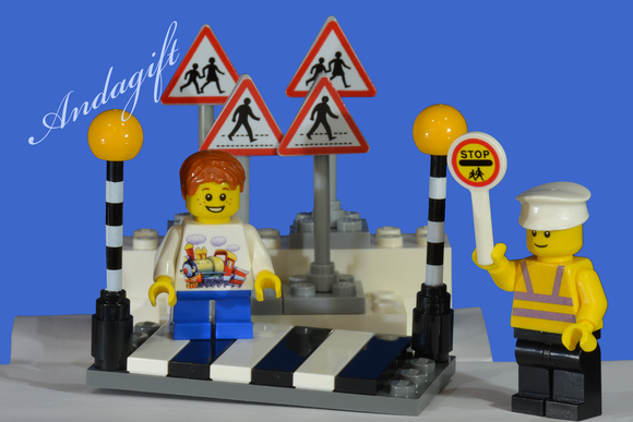 LEGO city car road signs zebra crossing Belisha beacons with lollipop person and boy - andagift