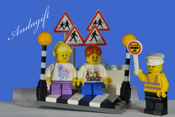 LEGO city car road signs zebra crossing Belisha beacons with lollipop person and children - andagift