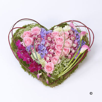 Contemporary Heart - Ramsbothams Florists Milton Keynes