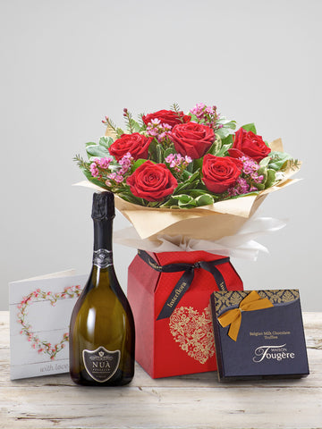 Ruby Kisses Anniversary Gift Set - Ramsbothams Florists Milton Keynes