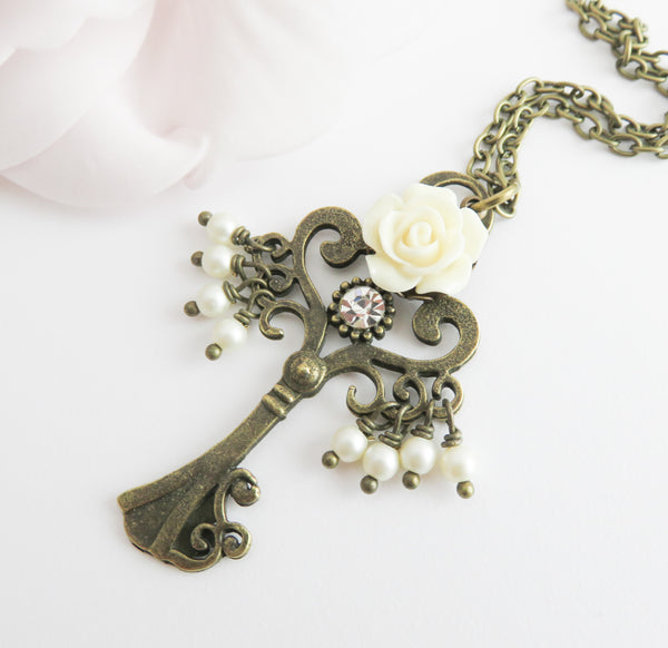 Romantic big key necklace