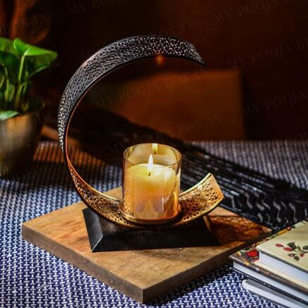 Attractive Crescent Candle Holder