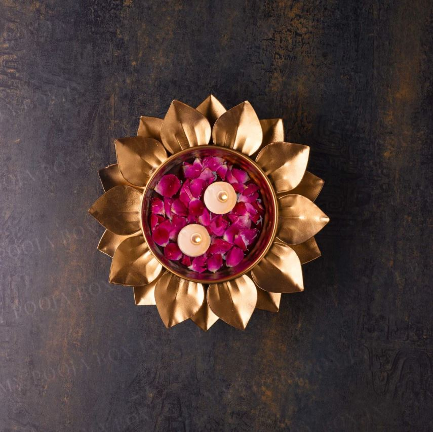 Captivating Brass Petal Urli/Floater