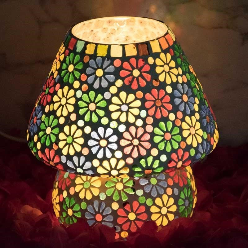 Pretty Mosaic Floral Pattern Glass Lamp for Décor