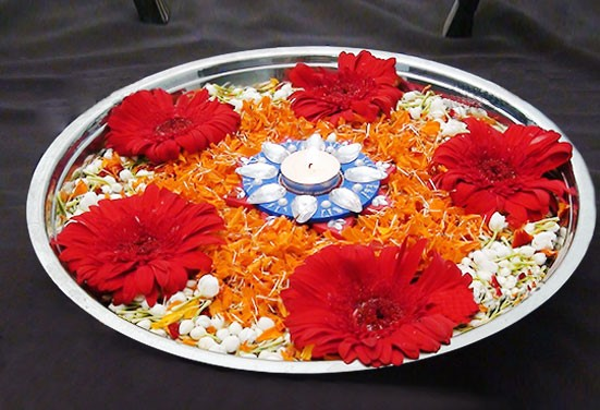 karwa chauth puja thali decoration with flowers