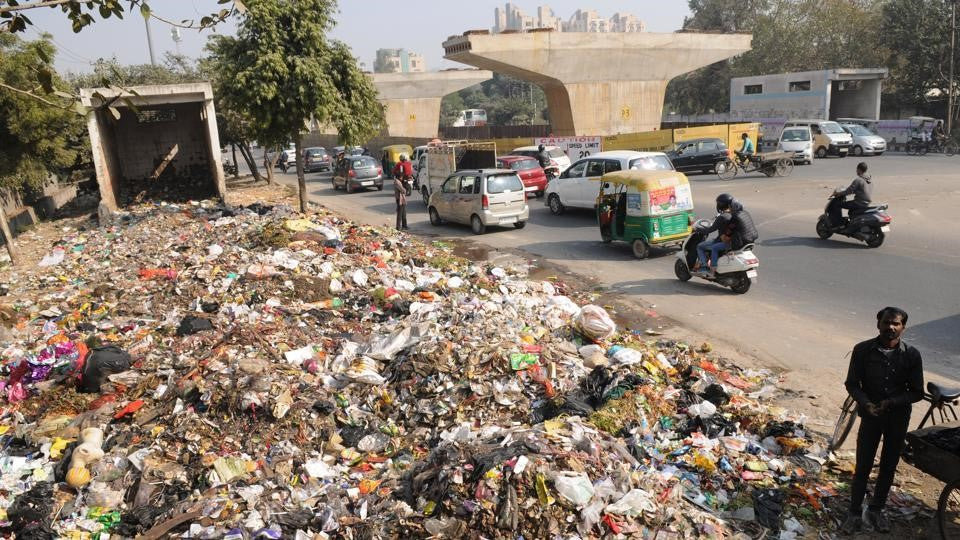 ways to save the environment-stop throwing waste on our roads