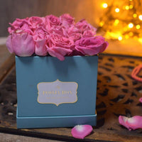 Light Pink Roses - Tiffany Blue Flora Box