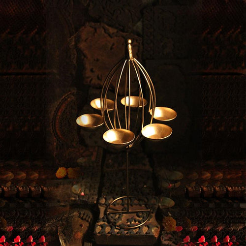 Eye-catching Golden Six Candle Tlight Holder