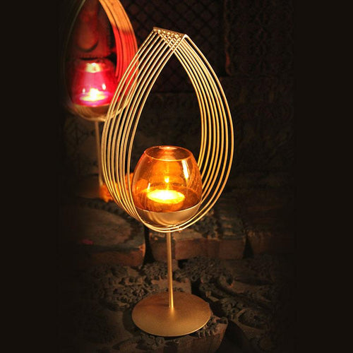 Elegant Waterdrop Golden Tlight Holder Stand