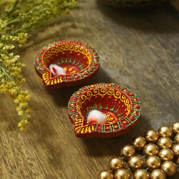 Beautifully Handcrafted Diya's (Set of 2)