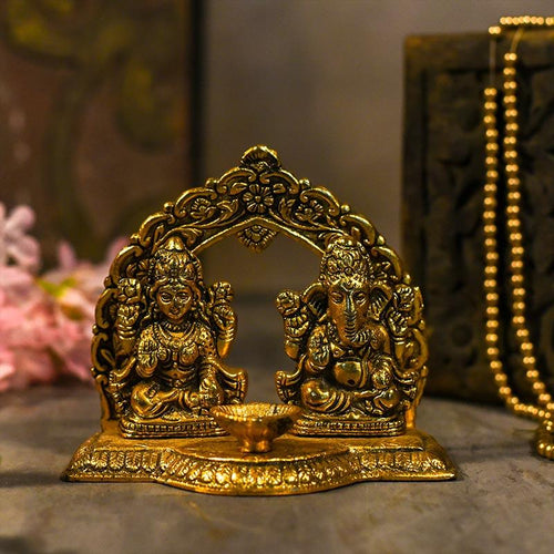 Laxmi & Ganesh Idol with Aesthetic Diya