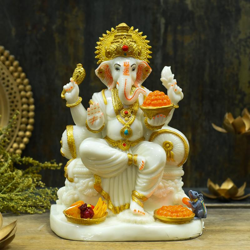 Glossy Lord Ganesha With Fruits and Sweets