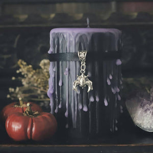 Hanging bat black and purple candle, Gothic crypt, goth home making candle, vampire, Witchcraft candles, Samhain night, wicca candle,
