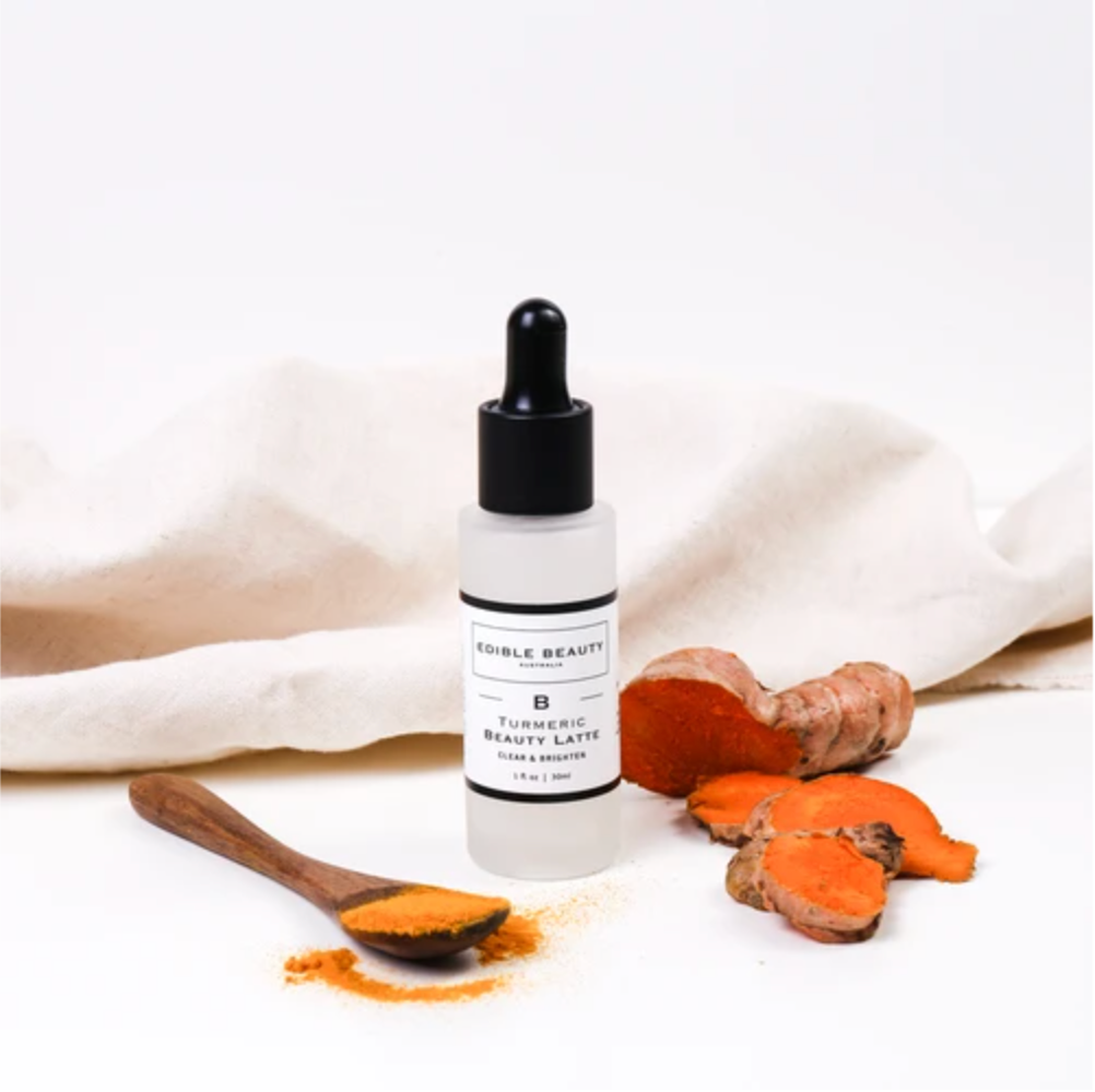 Turmeric Extract, antioxidant, lightening and brightening the skin,soothe breakouts, calm redness. Licorice Root, natural skin, whitening agent, prevents future hyperpigmentation, improving dark spots, anti-inflammatory, reducing swelling ,redness ,clear and calm complexion. Snow Mushroom ,Beauty Mushroom, Youth, Free Radical, Geel wortel, Curcuma, Nourished, nourished eu