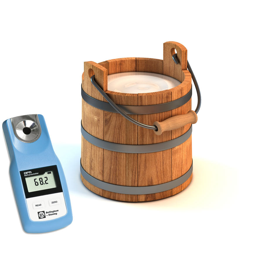 Digital handheld refractometer for testing colostrum quality