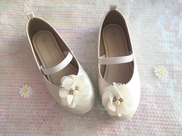 Ivory Girls Shoes Flower girl shoe Flat shoe for girl